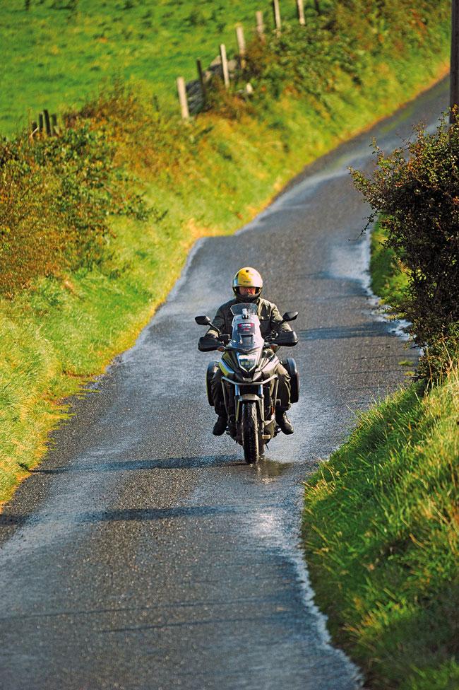 Singletrack Road in Irland