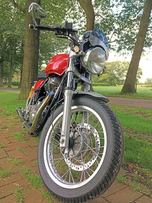 Royal Enfield Continental GT 535 - Front