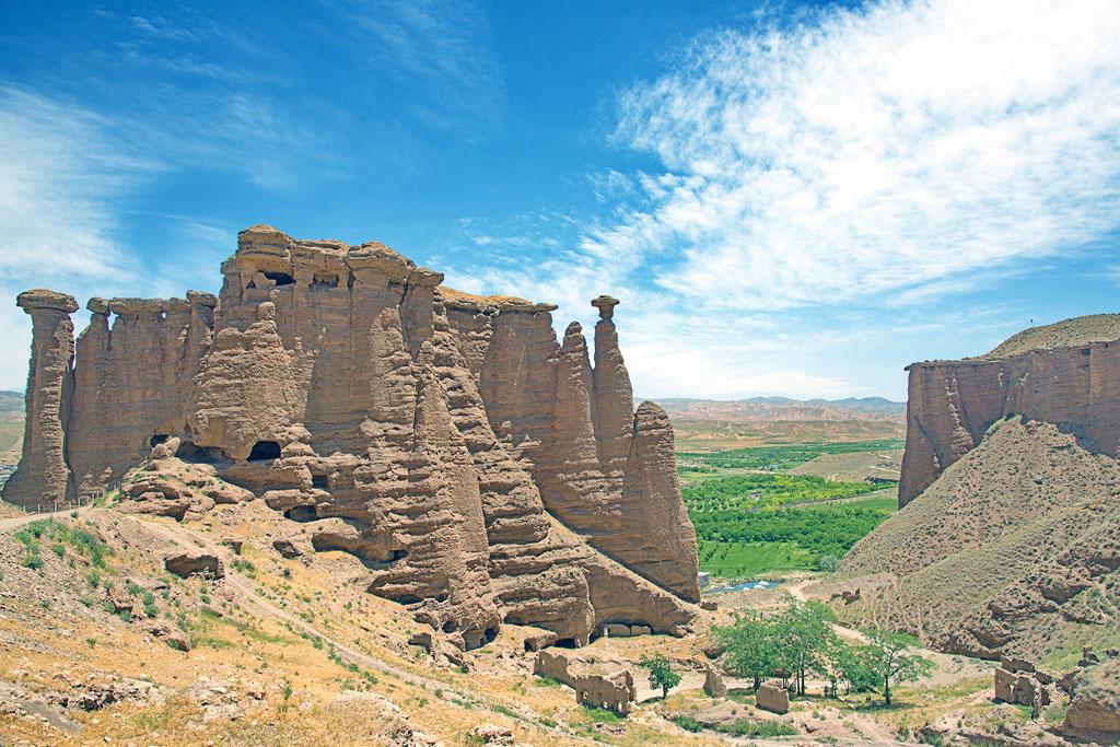 Geführte Motorradtour Iran - Behestan-Castle, die Burg im Berg