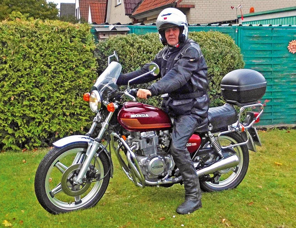 Voll restauriert: Axel mit seiner Honda CB 400 T, Bj. 1978