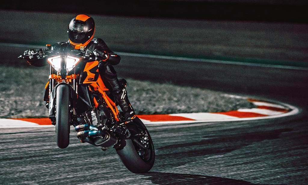 KTM 1290 Super Duke R in Portimão