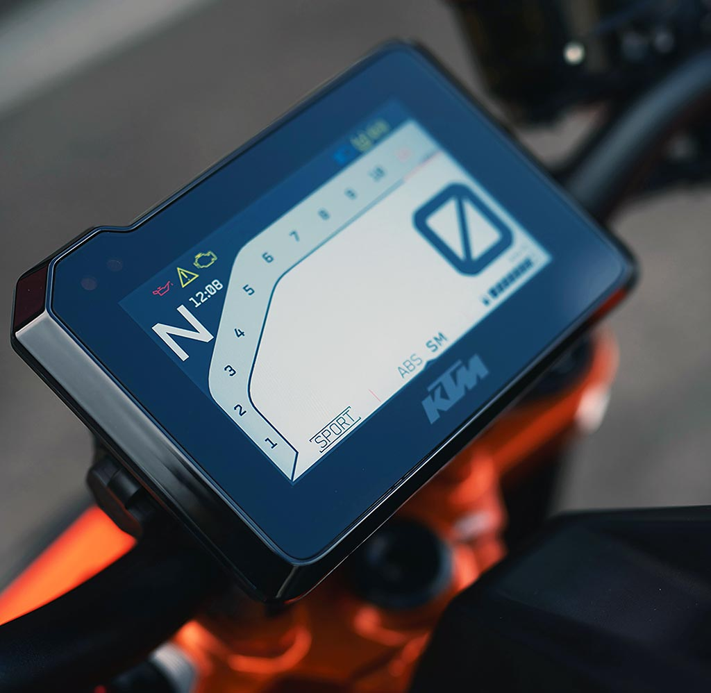 Tolles TFT-Display der KTM 1290 Super Duke R - Modell 2020