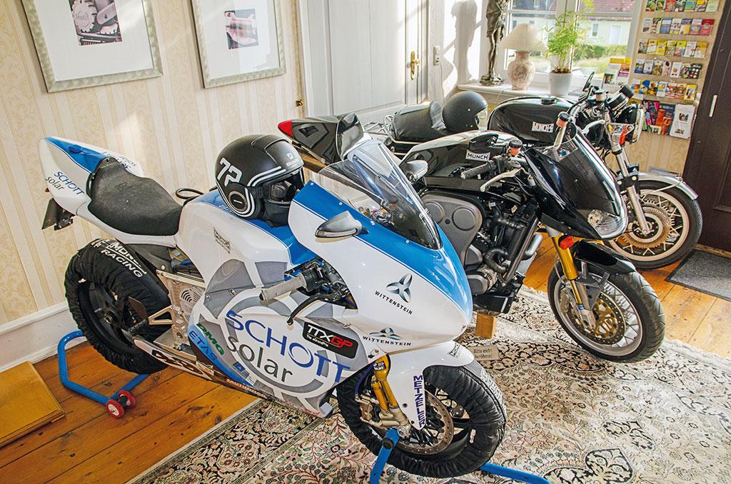 Münch Motorräder im Ostsee Gutshaus