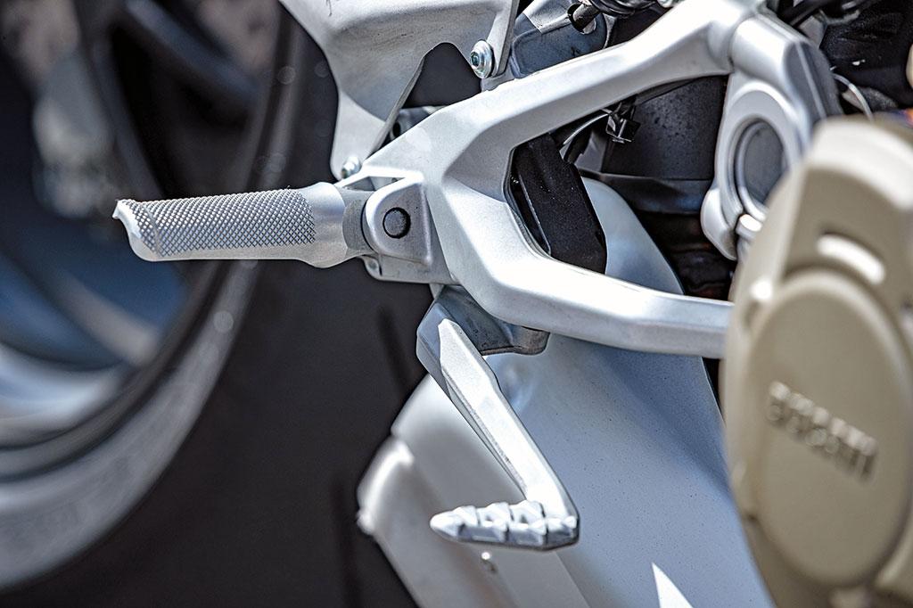 Fußrastenanlage Ducati Streetfighter V4 S - Modell 2020