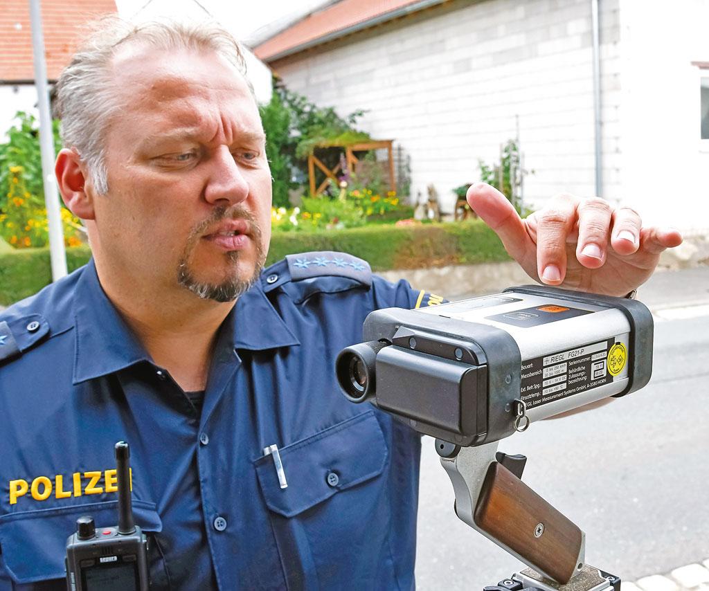 Polizeikontrolle - Einweisung in die Messtechnik