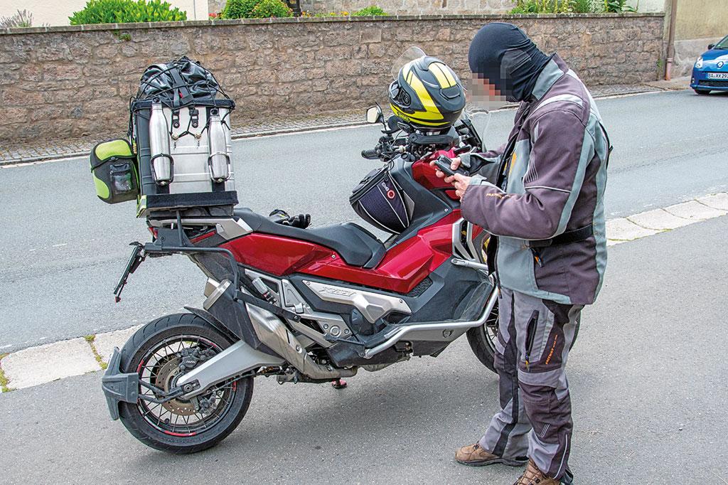 Polizeikontrolle - viel Gepäck aber alles ok