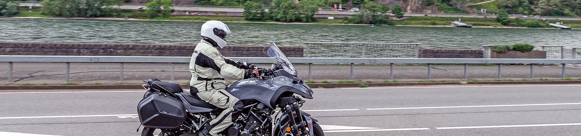 Titelbild-Yamaha-Niken-GT-am-Rhein_25-09-2020_e3744