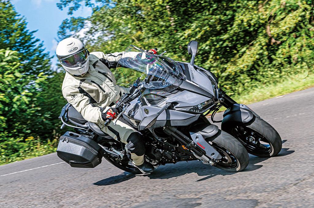 Mit dem Yamaha Niken GT im Rheingau auf Tour
