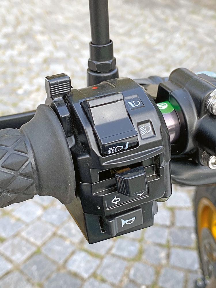 Etwas altbackene Schaltereinheiten - Mash X-Ride 650 Modell 2020