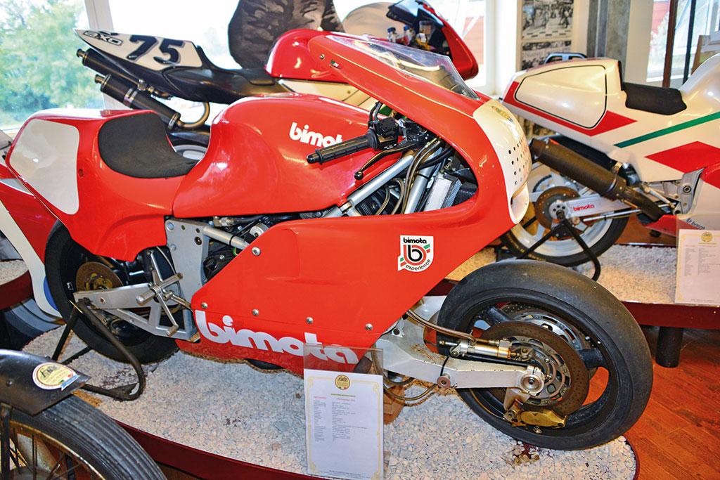 Bimota Tesi Nummer drei, noch mit Honda-V4-Motor aber mit Aluminiumrahmen.