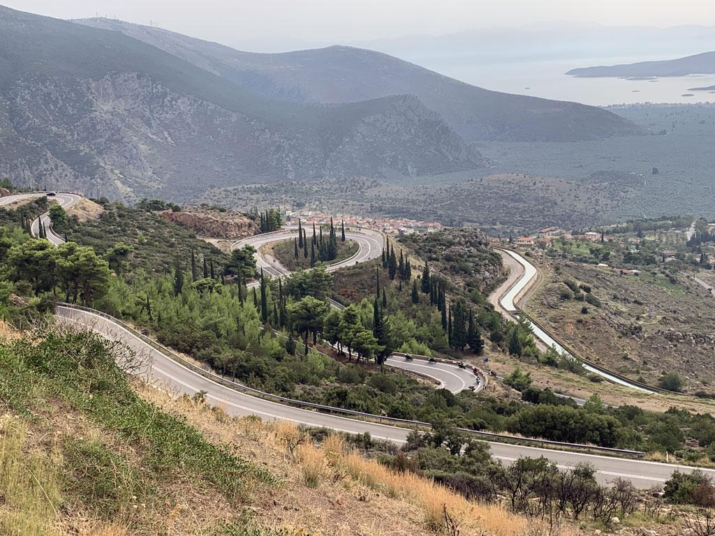 Motorradfahrer-Traum: Kurvenlabyrinth in Griechenland