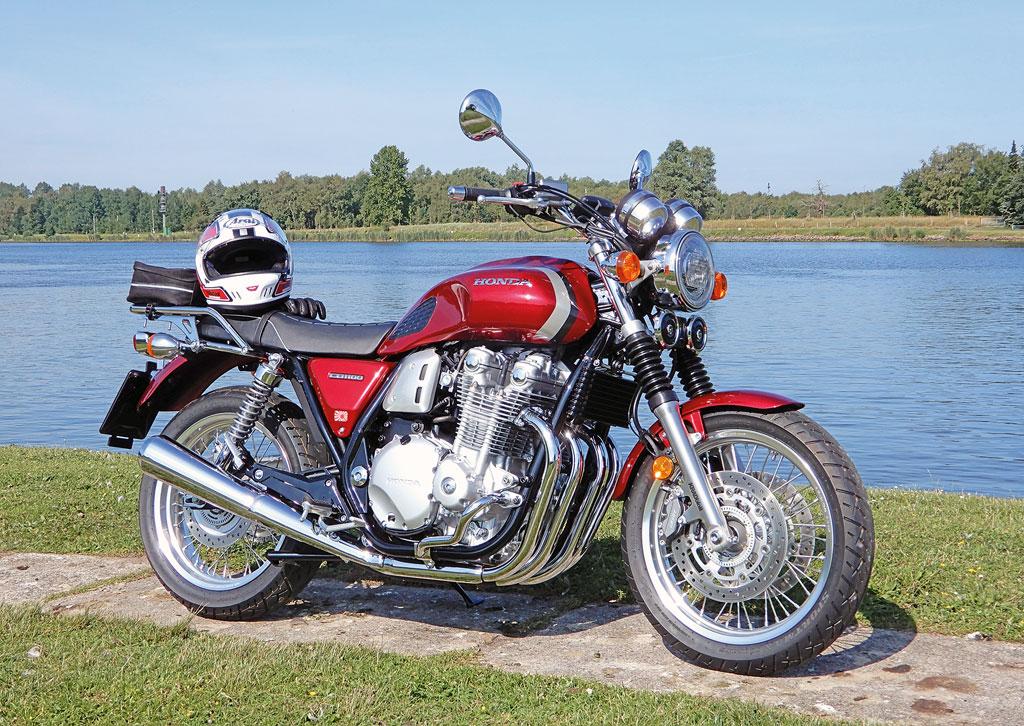 Honda CB 1100 ES mit Hecktasche