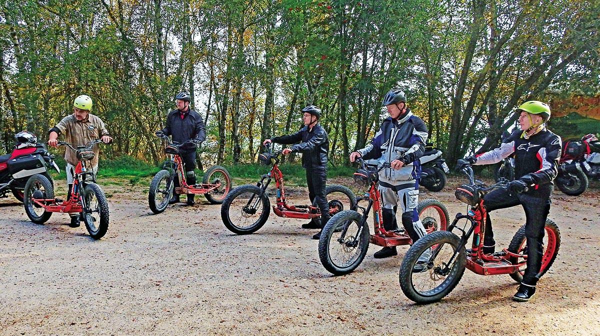 Großer Spaß: eine Geländetour mit E-Scootern. Nach einer kurzen Einführung ist es recht einfach