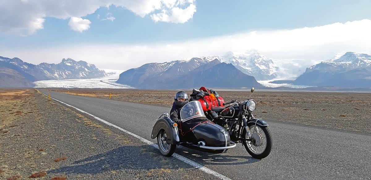 Motorradreise Island mit BMW R27 Gespann
