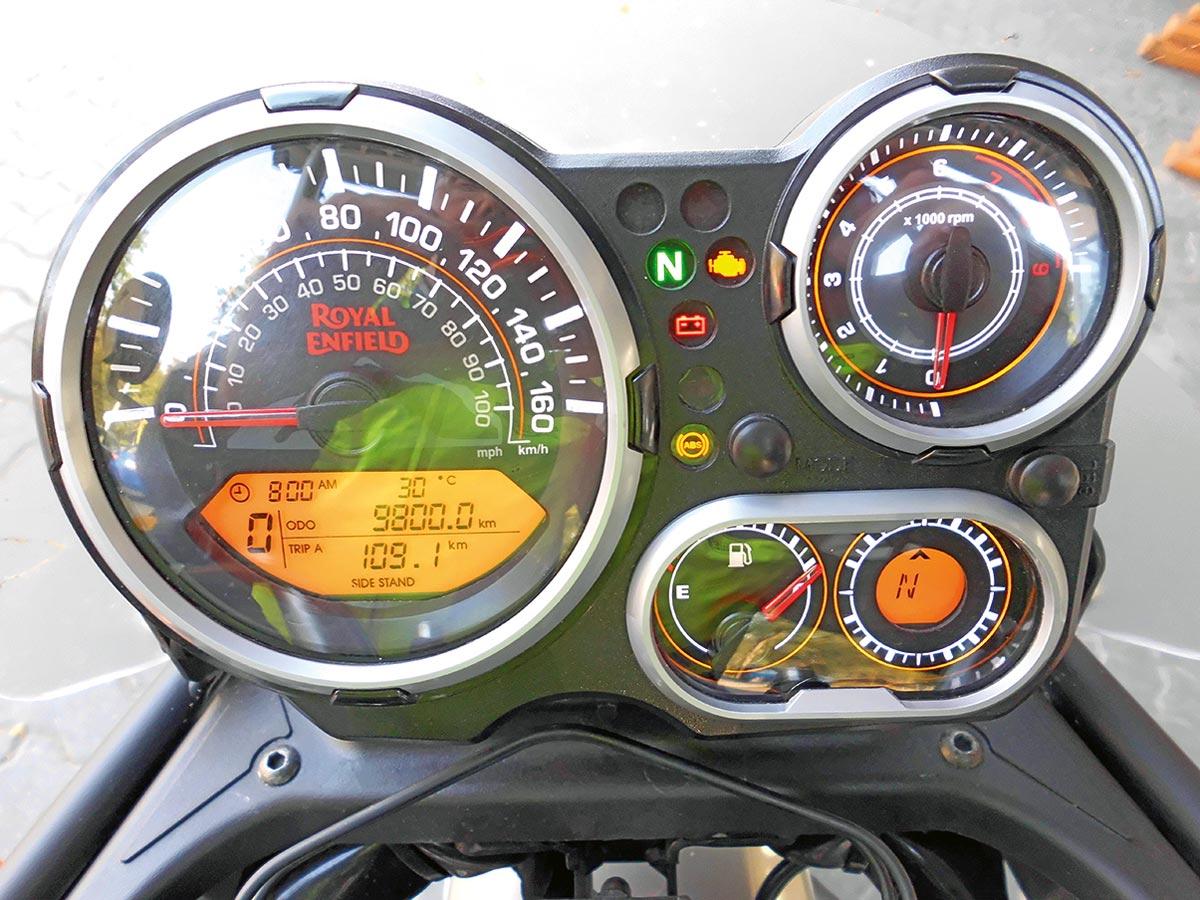 Royal Enfield Himalayan - Cockpit inkl. Kompass