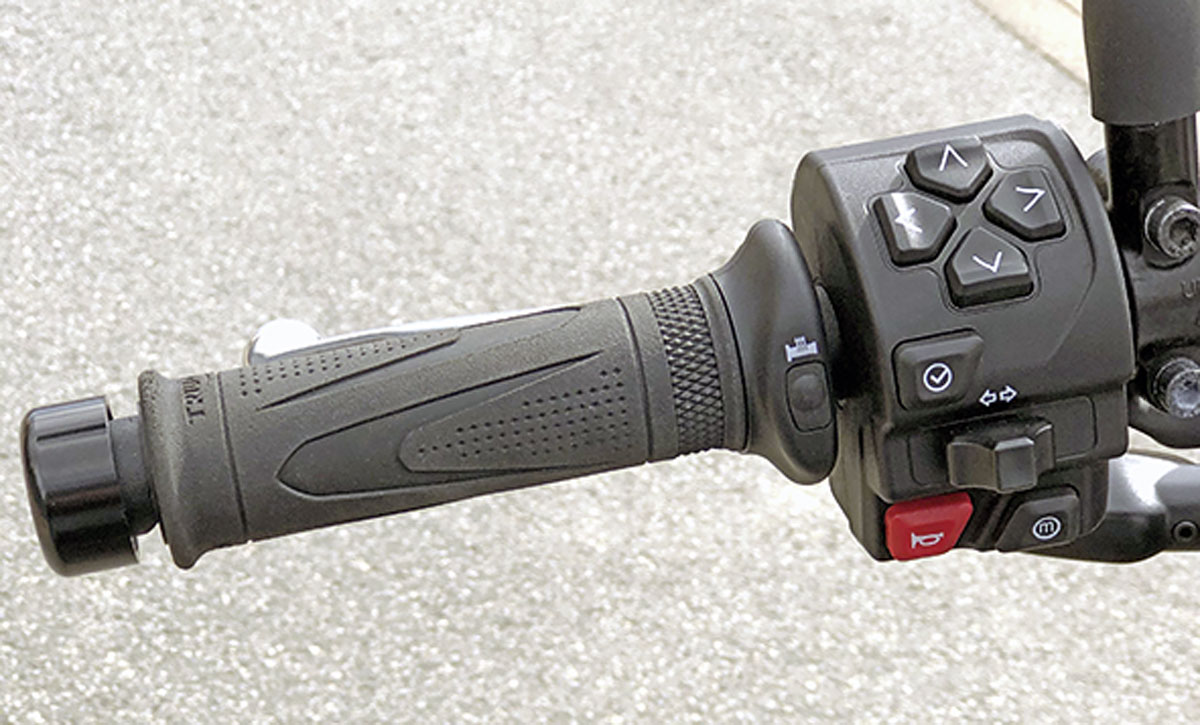 Intuitive Schaltereinheit an der Triumph Trident 660, Modell 2021