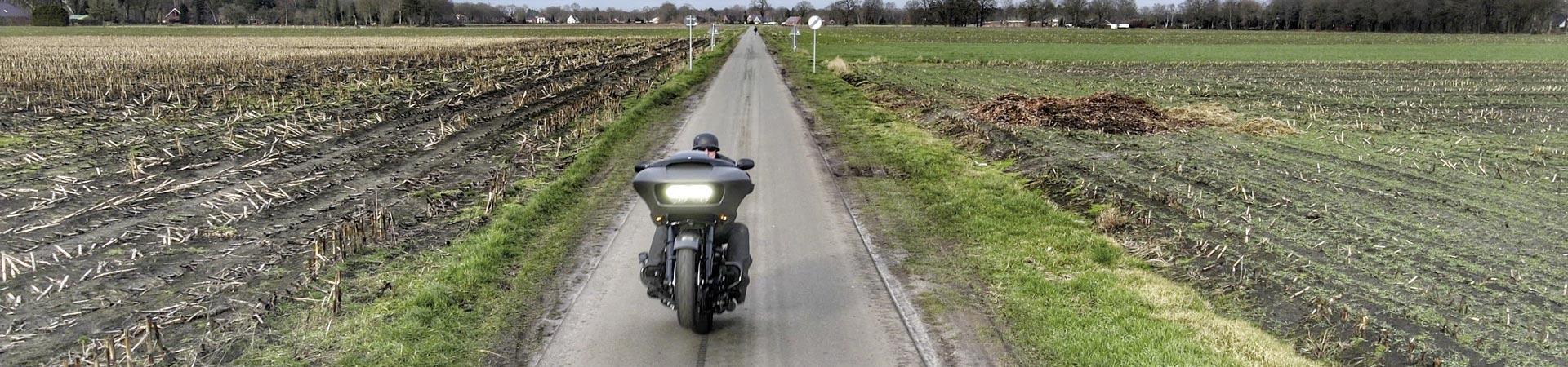 Titelbild-Harley-Road-Glide-113cui-Boerjes_04-06-2021_425ec