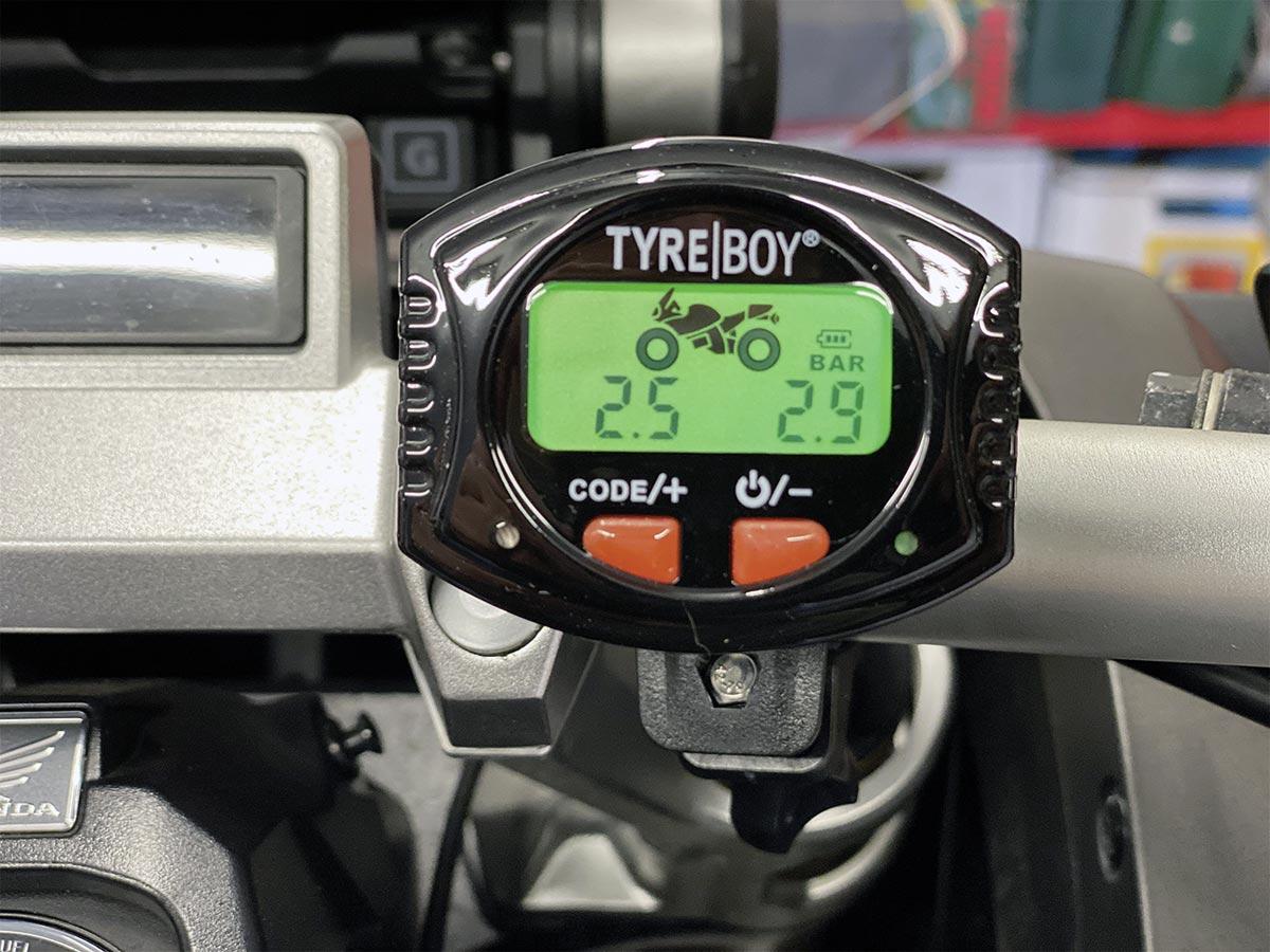 Automatische Hintergrundbeleuchtung - Tyre Boy Reifendruckkontrollsystem