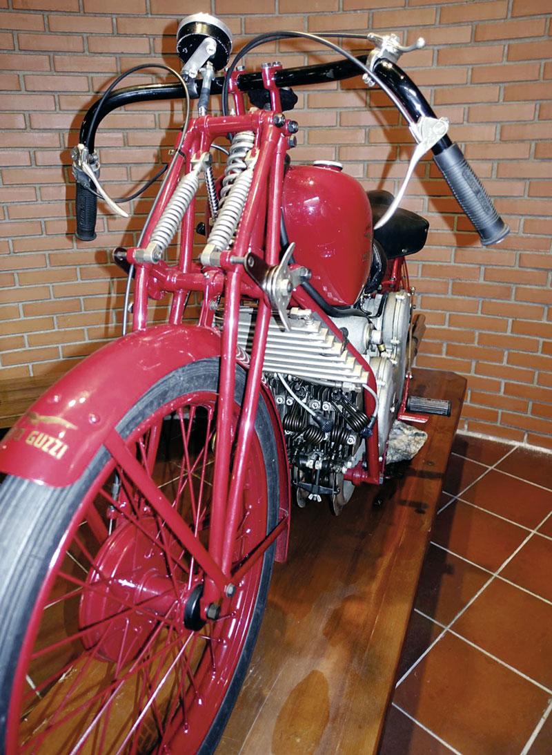 Moto Guzzi Mehrzylinder-Reihenmotoren