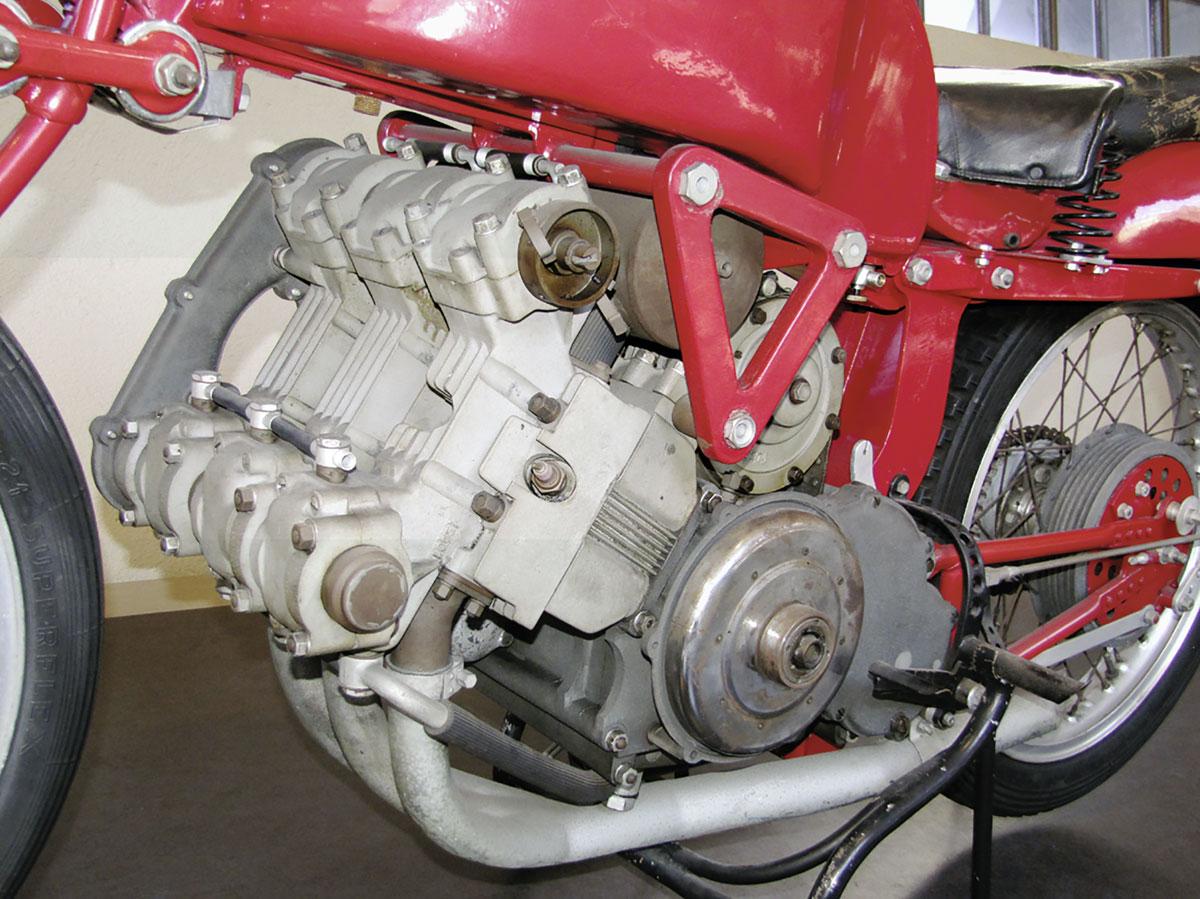 Moto Guzzi Mehrzylinder-Reihenmotoren - Tre Cylindri